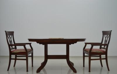 IVA blagovaonski stol MAH