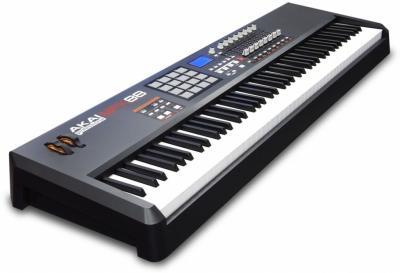 Akai MPK88 klavijatura